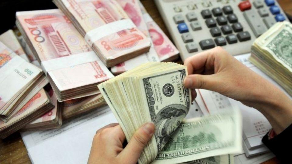 رابطه دوسویه ارز و تورم/ وابستگی اقتصاد به ارز نفتی باید کم شود