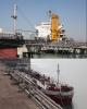 احتمال واردات کالا به جای پول نفت وجود دارد/ دولت فقط در زمان تحریمها، فروش نفت را به بخش خصوصی میدهد