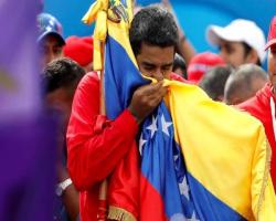 مادورو: آمریکا ۵ میلیارد دلار بودجه داروییِ ما را دزدید
